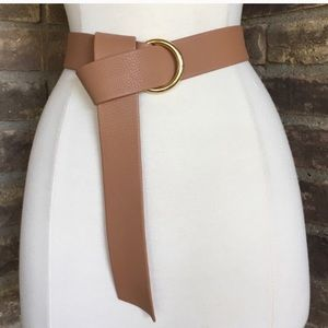 B Low the belt tan and gold belt one size like new